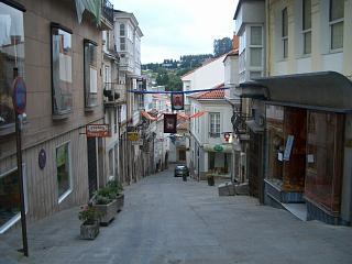 Betanzos narrow steep street