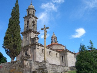 The church at the top of the town of Allariz