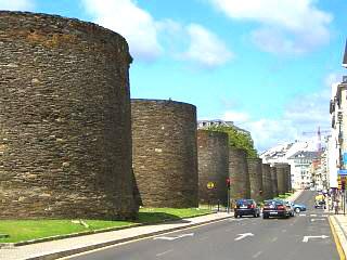 GALICIA GUIDE   Lugo Roman wall   Galicia