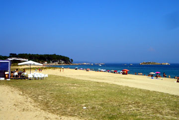 Another view of the main Ribeira beach